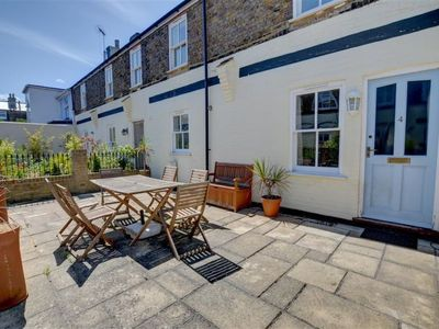 Photo for Vacation home Cam Court in Deal - Kingsdown - 3 persons, 2 bedrooms