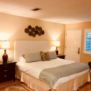 Photo for Luxury Couples Retreat Near Seaside with Free Wi-Fi & 42' Flat Screen TV