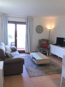 Photo for Lovely 2 Bed Apartment with Pool, Close to the Beach.