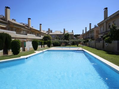 Photo for AT050 XIPRERS: House with communal pool 500m from the beach