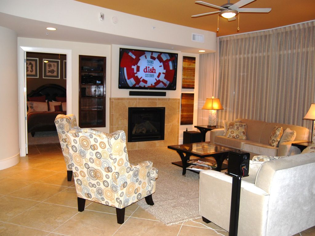 september dates are now 20 off book your vrbo living room with 70 tv