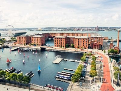 Photo for 2 mins from Echo Arena & Albert Dock-Free Parking!