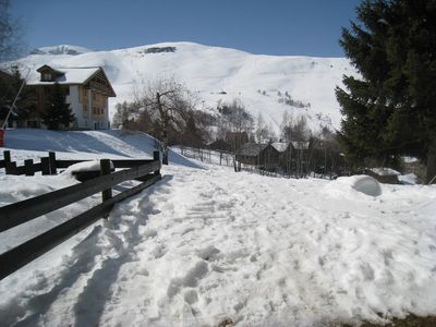 Photo for Studio cabin 4/5 people, real ski-in ski-out, with garden, near ESF