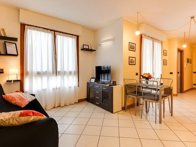 Photo for Bright two-room apartment with garage and lift between the station and the center