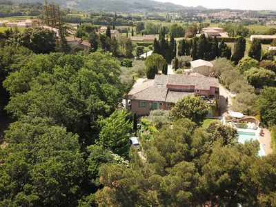 Photo for Amour Provence: charming farmhouse at the foot of the classified village of Séguret in Provence