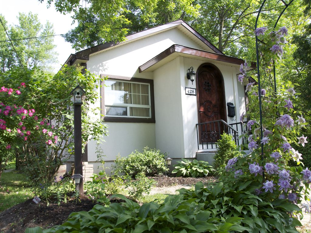 Bramble Rose Cottage In The Heart Of Niagara On The Lake