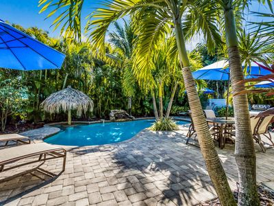 Ainsley Beach House: Awesome Villa, Private Heated Pool, Tiki Table, Waterfall!!