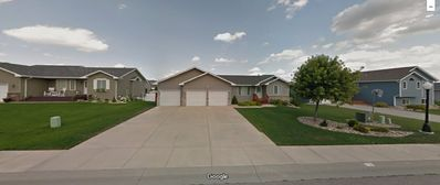 Beautiful 5 bedroom 3 Bathroom home located inbetween Rapid City and Sturgis