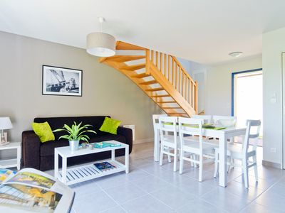 Photo for Rustic + Comfy House near the Centre | Private Entrance!