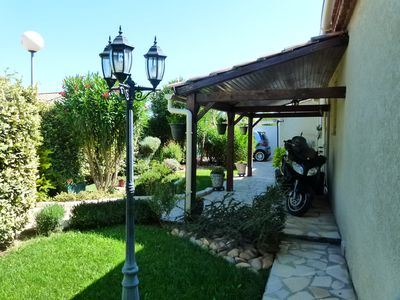 Photo for Luxury villa 7 km from the center of Nimes.