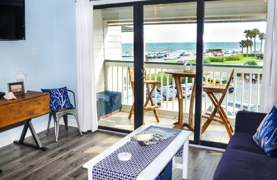 Relax on the Balcony with a GREAT Ocean View! ESCAPE Reality #208