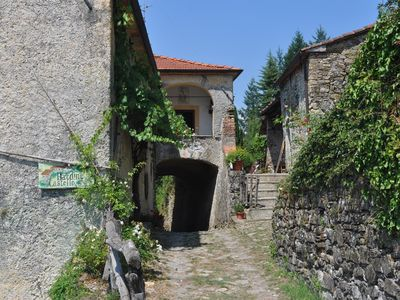 Photo for farmhouse, small village for 8 plus two in old Tuscany