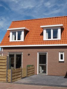 Photo for Holiday apartment Zuid aan Zee with terrace and private parking, 100 m from the beach