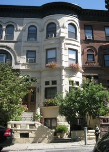 Photo for Charming Brownstone Garden Apartment