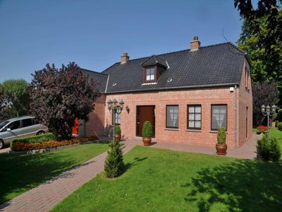 Recent villa for 10 persons situated 18 km away from Durbuy.