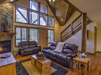 The house was large and spacious. Great location, close to Silver Dollar City.