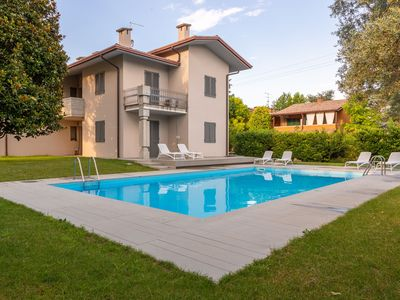 Photo for Modern and with Pool - Apartment Baseventuno 1