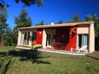 Photo for Holiday park in a rural location with many facilities in beautiful Pays Cathare