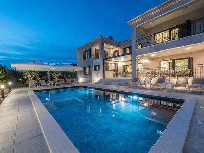 Photo for Luxurious villa with private pool and welness, 5 en suite bedrooms, open kitchen