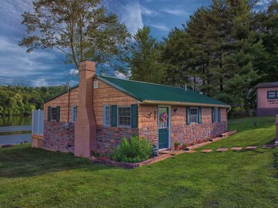 Photo for Luxury Lodging in the Hocking Hills Eagle View Lake House Lake Front
