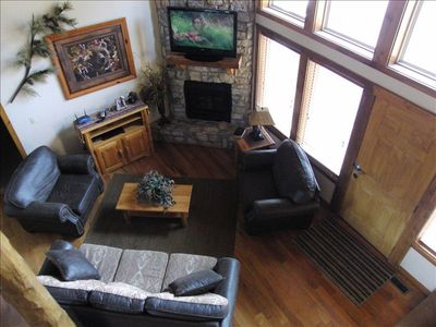 Beautifully Decorated for all your family needs. Spacious with Vaulted Ceilings