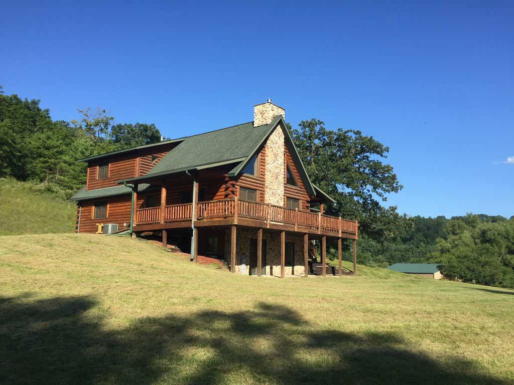The Driftless Escape Modern Large Cabin 57 Private Acres