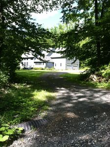 UPSCALE COZY GETAWAY: 2 B/B; CENTRAL AC; HIKE OUT; NEW FIREPLACE; KEYBD.