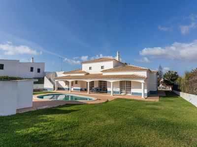 Photo for Private Villa in Aldeia do Golfe, Vilamoura - 5 min from Aquashow