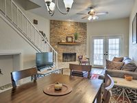 Beautiful and Peaceful Townhome!