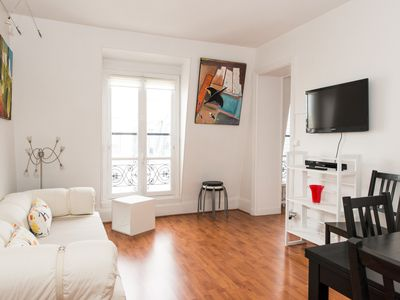 Photo for Very calm apartment for 5 with elevator, close to Monceau Parc and metro station