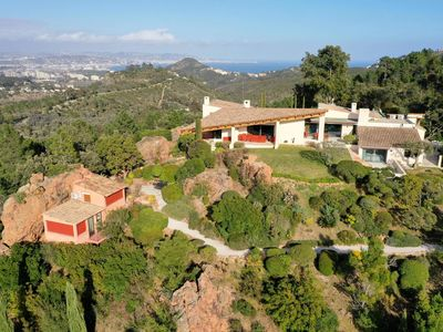 Photo for Luxurious villa with stunning 360 ° view