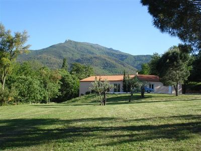 Photo for Bright villa, air conditioned, on 9000m², pool, tranquility and rest assured