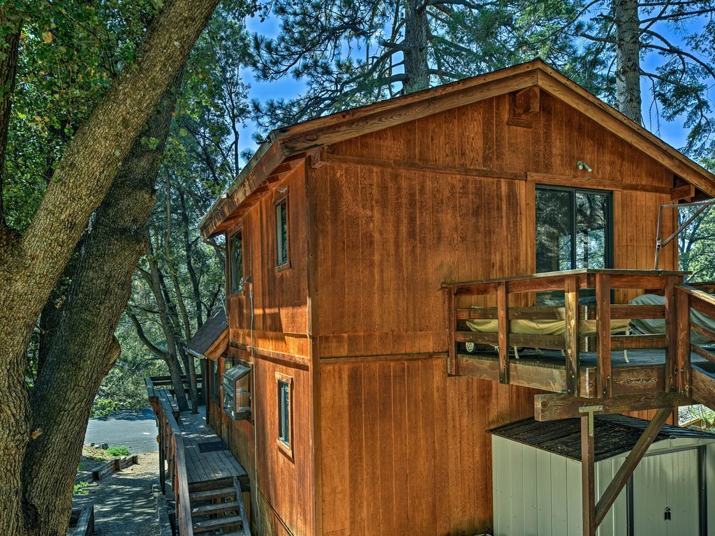 Updated 'Tree House' Pine Mtn Club Cabin by Trails, Pine ...
