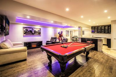 Game Room - Pool and Poker Tables, Wet Bar with ice maker, wine and bev. center