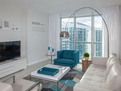 Photo for RIVER & CITY VIEW, 39TH FLOOR, BRICKELL, DESIGN. FREE: POOL, SPA, GYM, 50Mb WiFi