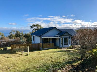 Photo for Alonnah Bruny Island Cottage, Panoramic Views, sleep up to 6