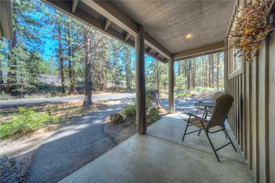 Sunriver-Vacation-Rental---1-Wolf-Lane---Front-porch