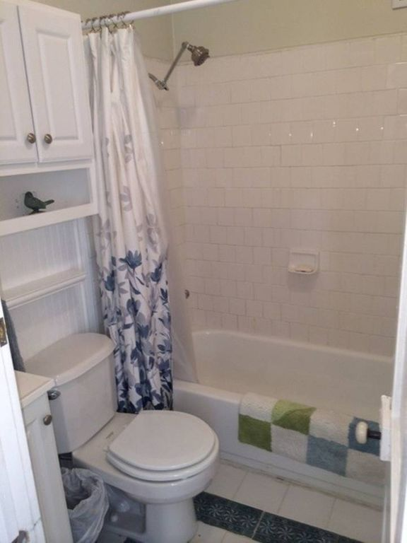 Private Cozy Cottage in Downtown Charleston Walk to Great Restaurants + Free Wi-Fi