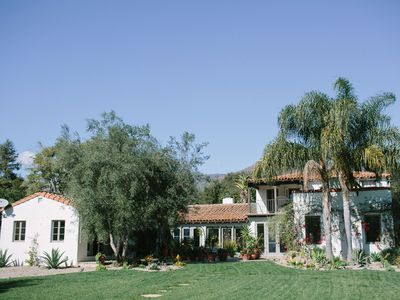 Gorgeous Interior, Peaceful Gardens, Fireplaces, Pool & Bocce Ball Court