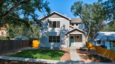 Photo for Brand new 5 bedroom 4 bath Craftsman Style home on quiet street near downtown