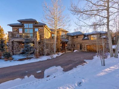 Photo for Ski-in/Out Luxury Estate, 2 Lift Tickets Included, Private Sauna : Mountainsong Hollow