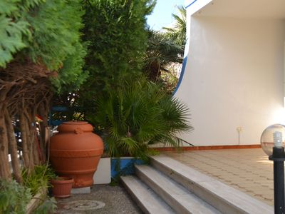Photo for Holiday Apartment Close to the Beach with Air Conditioning and Terrace; Pets Allowed