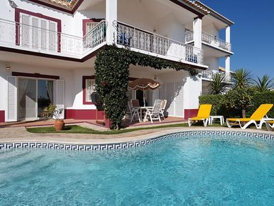 Photo for 2 bedroom Apartment, sleeps 4 in Quinta do Lago with Pool, Air Con and WiFi