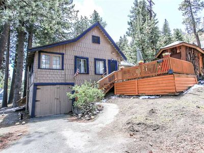 Photo for All Seasons Chateau - Walk to Ski Resort! Cozy Fireplace, WiFi and Sun Drenched Deck!
