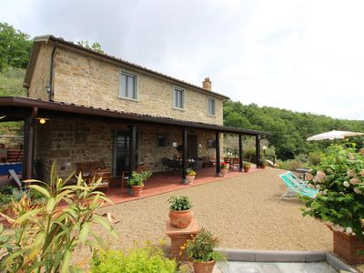 Photo for Stunning private villa with private pool, WIFI, TV, pets allowed and parking, close to Arezzo