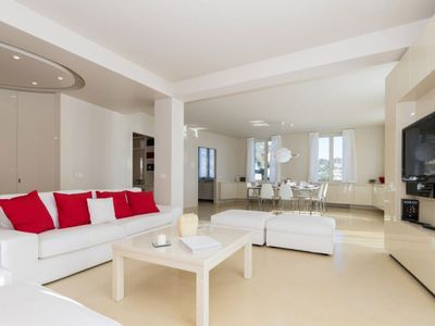 Photo for Luxurious sea view apartment, swimming pool, wifi, parking space (CITRA 10054-LT-0051)