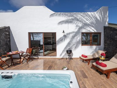 Photo for RINCÖN OF THE OCEAN. POOL-JACUZZI-SPA CLIMATIZADO. SEA VIEWS-WIFI- TV SATÉL