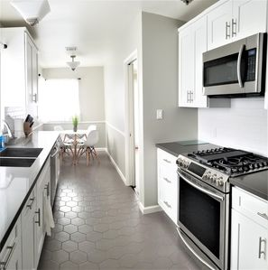 Photo for Luxury 3 bedroom house 10 minutes to Beverly Hills