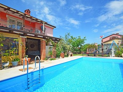Photo for Apartment 148 m from the center of Murine with Internet, Pool, Air conditioning, Parking (119755)