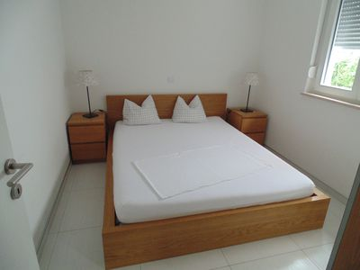 Photo for Apartment for 4 + 1 persons, 150 m from the beach, with sea view -